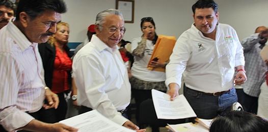 Presentan priistas ante PROFECO, cientos de quejas por altas tarifas de la CFE