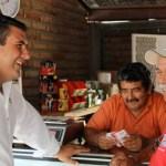Tras realizar un recorrido por la sección 175 de la colonia Los Olivos, Barroso Agramont dijo que la presencia de Enrique Peña Nieto en Los Cabos en el 58 Consejo Nacional de la CROC, fortalece la alianza priista con esa central de trabajadores, alienta de manera extraordinaria las campañas de los candidatos del PRI, y detona el entusiasmo ciudadano porque Baja California Sur lo espera nuevamente el próximo 12 de mayo, en la capital del estado.