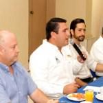 Barroso Agramont dijo que tanto él como su compañero de fórmula Isaías González Cuevas, serán interlocutores de los empresarios sudcalifornianos con el gobierno federal, pero también promoverán junto con los diputados federales, verdaderos incentivos para la inversión y el crecimiento