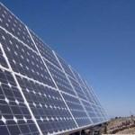 La M. en C. Andrea Carolina López Vergara, estudiante del Posgrado en Desarrollo Sustentable y Globalización de la UABCS, realiza un estudio sobre la factibilidad de aplicar la energía solar en la entidad, como opción para mitigar los efectos del cambio climático.