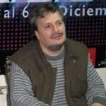 Escritor, músico, crítico, promotor cultural, maestro, conductor y productor radiofónico, Alain Derbez, cuenta con la licenciatura en historia en la Facultad de Filosofía y Letras de la UNAM (Universidad Nacional Autónoma de México).