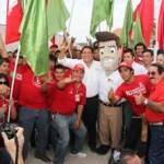 """""""Los mexicanos estamos hartos de contabilizar muertos y caminar por la calle con miedo; no se trata de ganar una guerra, se trata de resolver un problema que nos atañe a todos"""", dijo Ricardo Barroso Agramont en el debate radiofónico entre candidatos al Senado de la República."""