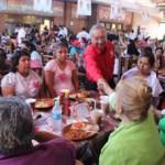 Ante centenares de cabeños Isaías González dijo que el IFE intenta maniobrar la voluntad de los sudcalifornianos y una acción será imponer trabas a los funcionarios de casillas para que no aperturen las casillas a las 8 de la mañana del primero de julio día de la jornada electoral.