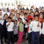 Ricardo Barroso e Isaías González se reunieron con cientos de mujeres que manifestaron su adhesión a los candidatos del PRI, y donde el abanderado al Senado de la República habló de la propuesta de Enrique Peña Nieto de crear un sistema universal de seguridad social.