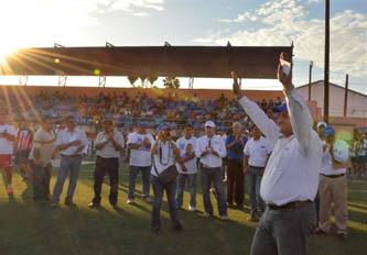 Nuestros jóvenes no quieren volver al pasado: Carlos Mendoza