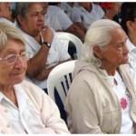 La exposición a altas temperaturas, que suele darse principalmente en la zona norte del país, es el factor que normalmente desencadena la deshidratación, que en muchos casos compromete la salud de pacientes en edad avanzada, señalaron especialistas del Instituto Mexicano del Seguro Social (IMSS).