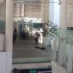 El enfrentamiento se registró en la Terminal 2, en el área de comida, sin que hasta el momento se tengan personas detenidas.