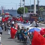 Desde La Paz, salieron esta mañana, de 18 de junio, alrededor de cincuenta antorchistas, quienes se encontrarán con cerca de cuarenta en Los Cabos, siendo así entre noventa y cien manifestantes que gritarán a Marcos Covarrubias Villaseñor durante un evento en el que busca lucirse.