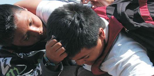 ¿Cámaras en escuelas y autobuses para prevenir el bullying?
