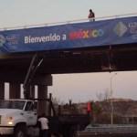 A mediados de la semana pasada, inició la colocación de los displays de bienvenida en el Aeropuerto Internacional de Los Cabos, según informó el director municipal de Imagen Urbana, Marcelino Sotelo.