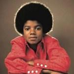 Michael Jackson dio sus primeros pasos en la música con sus hermanos en The Jackson 5 pero fue en solitario cuando alcanzó categoría de mito.