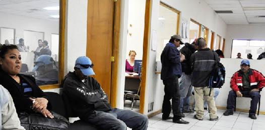 """""""Por administraciones ha sido olvidada la Junta de Conciliación y Arbitraje"""", expuso José Luis Perpuli Drew, Secretario del Trabajo en Baja California Sur. """"Lo que hemos tratado de hacer, que hemos logrado, es que no exista más rezago, por lo menos en el 2011 y en el 2012, y estamos retomando casos de muchos casos anteriores"""", aseguró."""