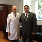 El M. en C. Gustavo Rodolfo Cruz Chávez, Rector de la UABCS, y el Dr. José Rogelio Pérez Padilla, Director General del INER, signaron un convenio para la prestación de servicios médicos hospitalarios, quirúrgicos y asistenciales especializados para el personal universitario.