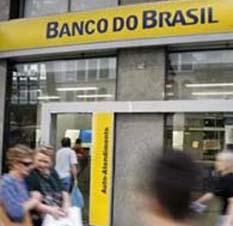 Anciana armada exige 25 dólares a banco brasileño