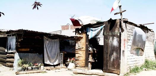 Frente a las invasiones y los altos costos de la tierra en el municipio de Los Cabos, el gobierno del estado estudia la posibilidad de desincorporar terrenos nacionales.