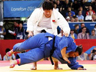 La judoca mexicana tendrá que regresar a casa, luego de ser derrotada por Tong Weng. Su combate tarda un minuto y medio.