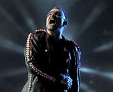 Bono le hizo el feo a Calderón