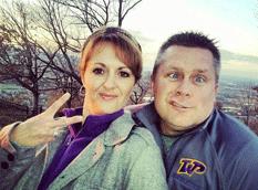 Padres castigan a su hija por FB