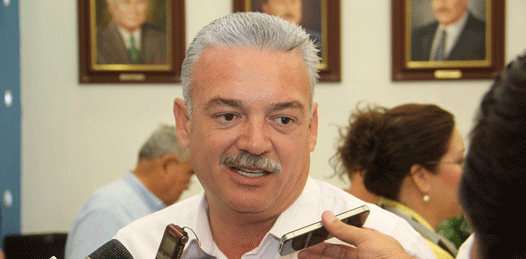 Quiere el gobernador pedir un crédito para reparar los daños provocados por Paul