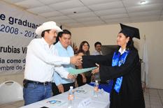 Preside el alcalde ceremonia de graduación de la UABCS