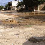 aguas residuales corriendo por las calles
