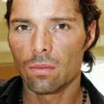 El modelo Armando González