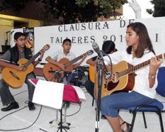 Clausura la UABCS talleres artístico-culturales