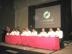 Ratifican a Carmen Carbajal al frente de la CANIRAC