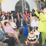 Juanga canta para el Gober
