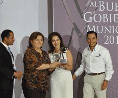 Recibe alcaldesa Premio Nacional al Buen Gobierno