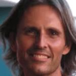 Alan John Miller o AJ como prefiere ser conocido, un especialista en tecnologías de la información, encabeza un movimiento religioso conocido como la Verdad Divina, cerca de la pequeña ciudad de Kingaroy en Queensland, en el noreste de Australia.