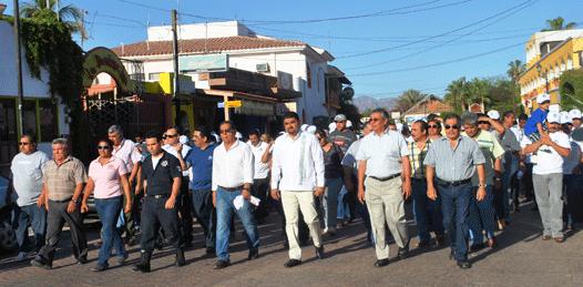 Encabezó Alcalde el desfile del Trabajo