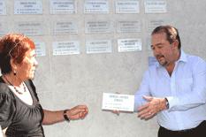 Homenajea Ayuntamiento a forjadores de la educación