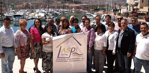 Cambian de directiva profesionales inmobiliarios de La Paz