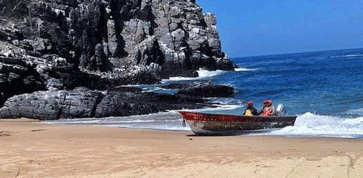 Sigilosamente, Playa Santos acota a Punta Lobos