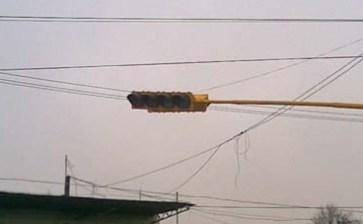 Sólo funcionará de 9 a 22 hrs el semáforo de Soriana Mezquitito