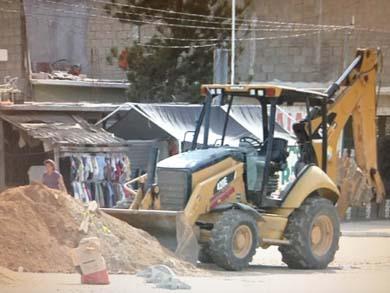 Continúan trabajos de pavimentación y remodelación