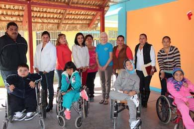 Entregarán sillas de ruedas adaptadas a niños y jóvenes