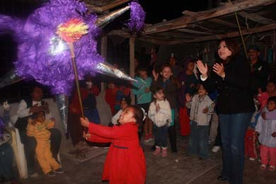 Festeja DIF a niños de la Colonia Guerrero
