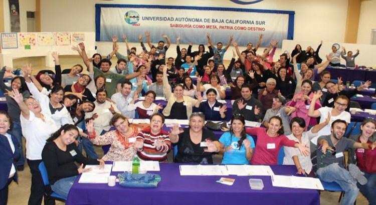 Imparten curso a estudiantes y profesores  de la UABCS