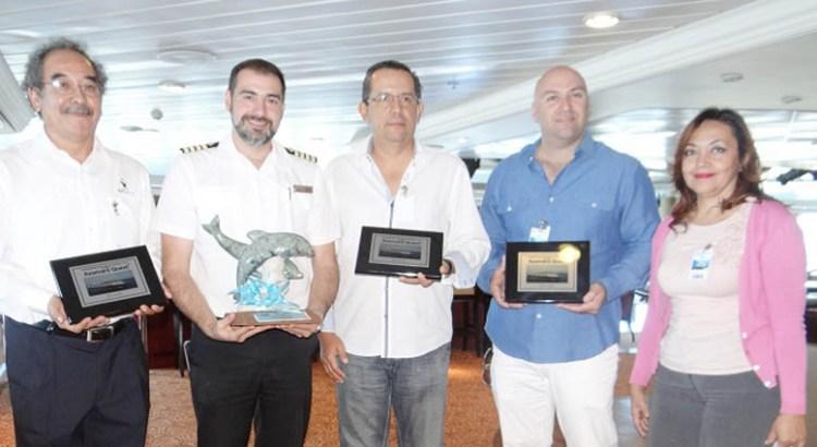 Llegó a La Paz el crucero Azamara Quest
