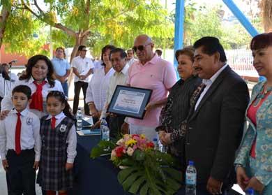 Donan sala de cómputo a la Primaria Jerónimo Ahumada
