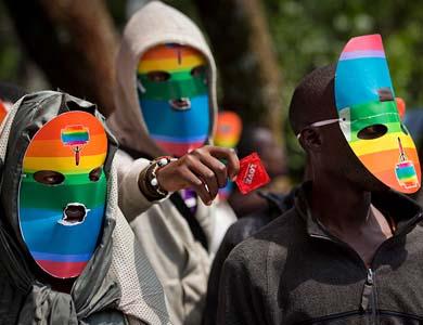 Uganda, cadena perpetua para homosexuales