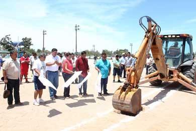 Banderazo a la construcción de cancha de futbol rápido