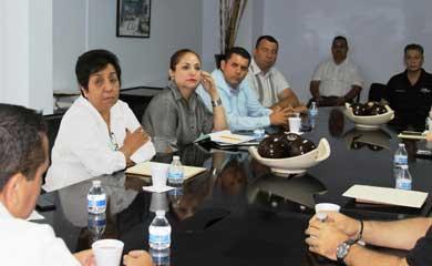 Presenta el Procurador a nuevos funcionarios