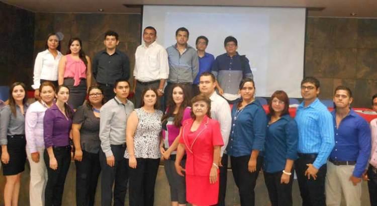 Presentaron estudiantes proyectos de planes de negocios