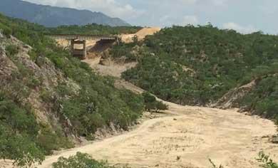 Afecta a rancheros construcción de tramo carretero