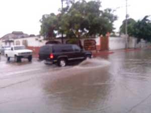 Lluvias y vientos fuertes en Los Cabos