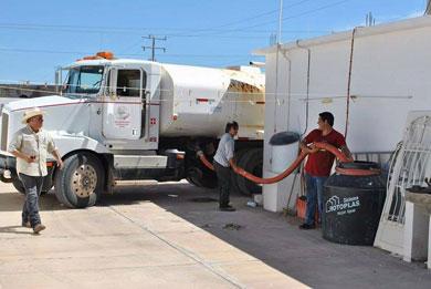 Reparte CROC agua potable en Santa Rosalía y la H. Mulegé
