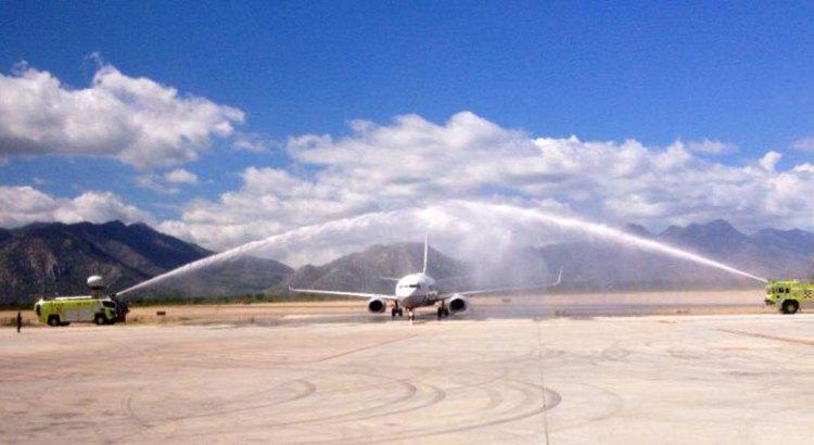 Arriba a Los Cabos el primer vuelo internacional